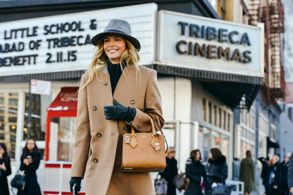 natasha-poly-streetstyle-new-york-fashion-week-camel-coat-winter-trends-fabulous-muses-1024x682