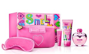 gift-sets-moschino-pink-bouquet-3-4-oz-edt-5-piece-gift-set-for-woman-1