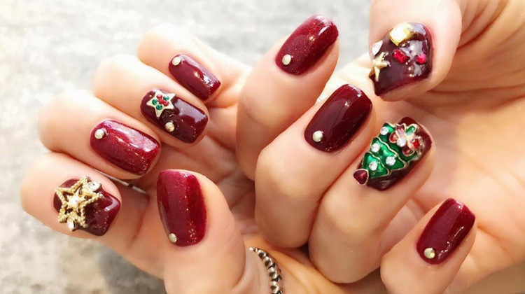 Nail Art Ideas For The Holidays 7 Most Festive Simple Designs